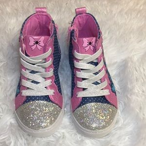 Other - Minnie Mouse Converse Style Sneakers for Toddler
